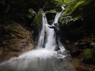 シャワー三昧の粥川は秋の気配_c0359615_21513359.jpg
