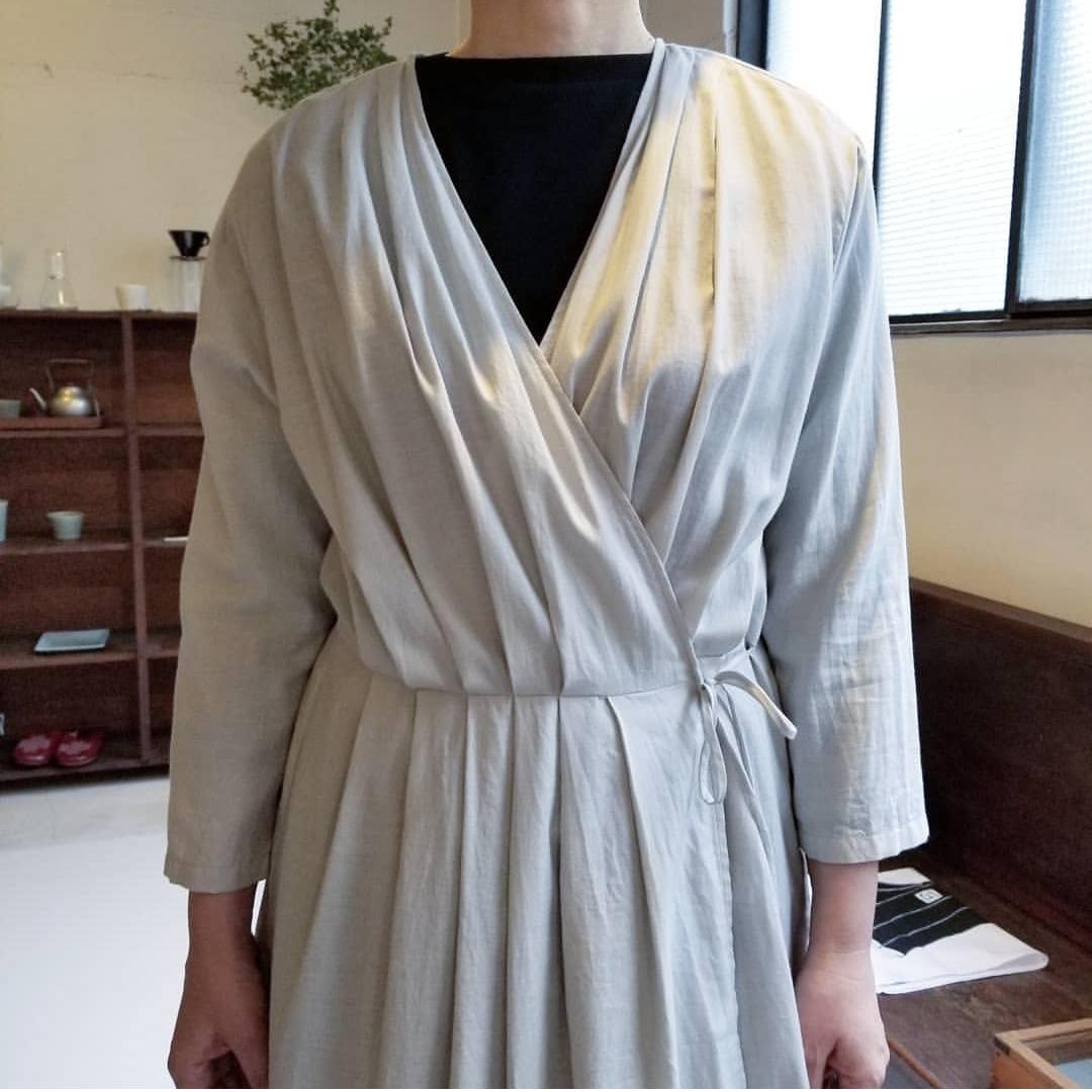 evam eva otton silk tuck robe_f0120026_17244773.jpg