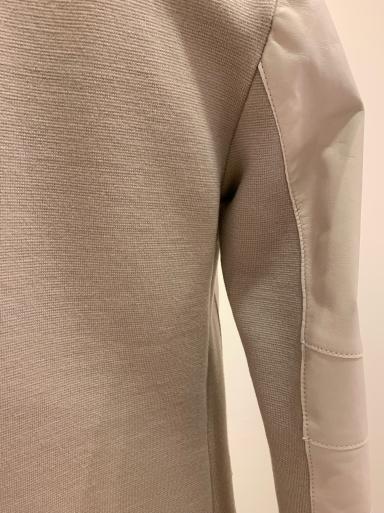 レザージャケットとスカート_c0223630_21043025.jpg