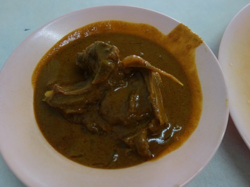 クアラルンプールの街角のいかにもなインド料理屋でマトンカレー食べて満足_c0030645_23160591.jpg
