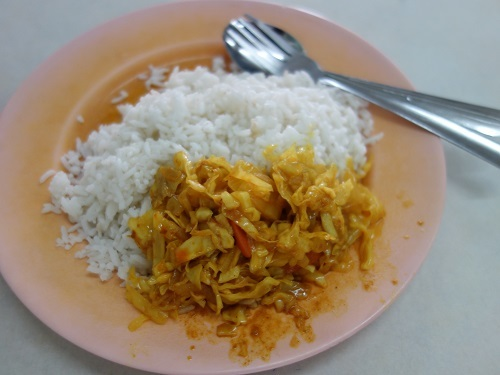 クアラルンプールの街角のいかにもなインド料理屋でマトンカレー食べて満足_c0030645_23161068.jpg
