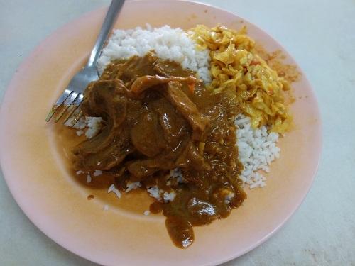 クアラルンプールの街角のいかにもなインド料理屋でマトンカレー食べて満足_c0030645_23161238.jpg