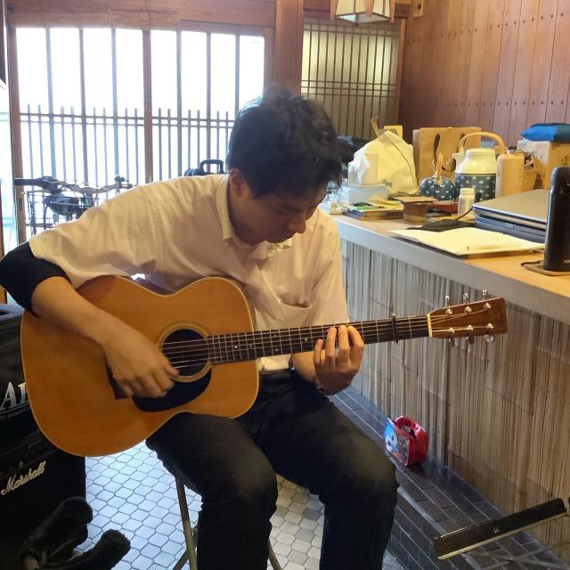 マレーシアからギターレッスンに来たT君との楽しいひととき。_a0334793_22330457.jpg