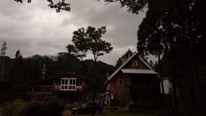 曇り_a0061599_07572078.jpg