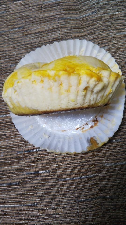 ハッピーベーグル マンゴーマーブルチーズケーキ_f0076001_22285516.jpg