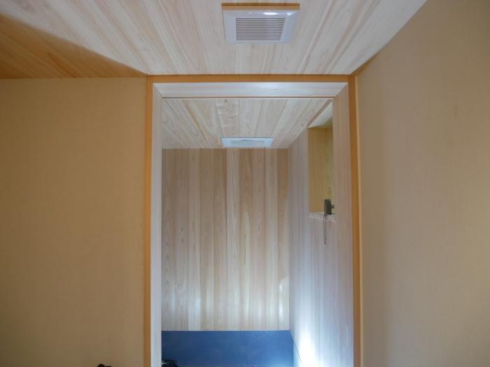 あまり材の縁甲板で、_c0228241_21451453.jpg