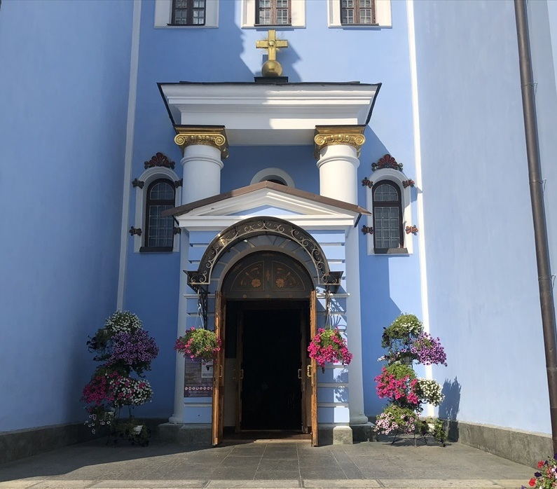 聖ミハイル黄金ドーム修道院@キエフ/ウクライナ_a0092659_17053546.jpg