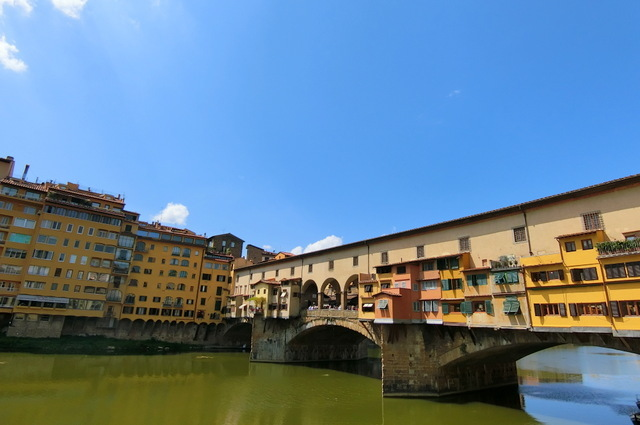 フィレンツェ ヴェッキオ宮殿とヴェッキオ橋_b0358575_03285420.jpg