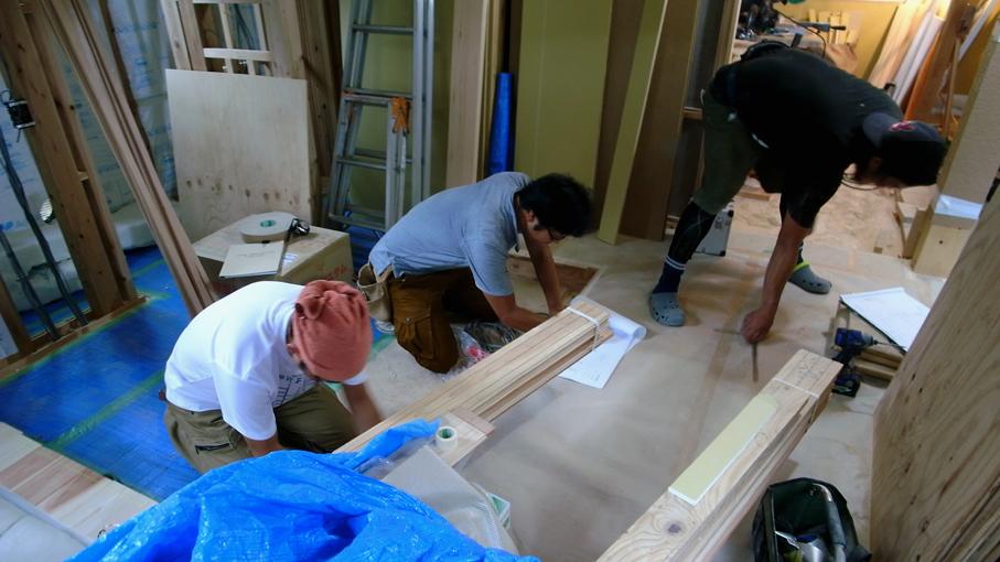 鉄骨のササラと家具の採寸_b0061387_14571827.jpg