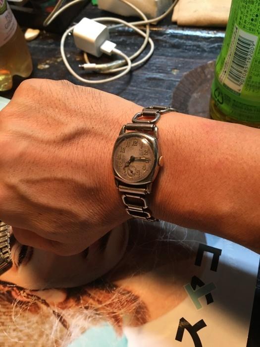 antique  watch_b0120103_08340309.jpeg
