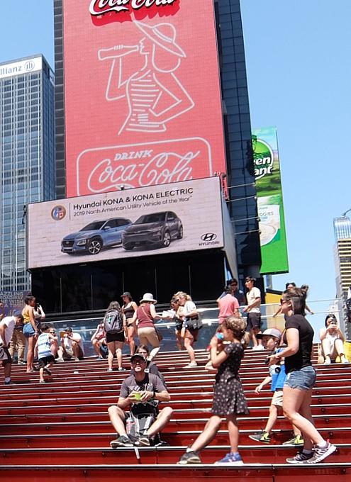 タイムズ・スクエアの風景を眺めるのにオススメ、TKTSブース展望台_b0007805_08284069.jpg