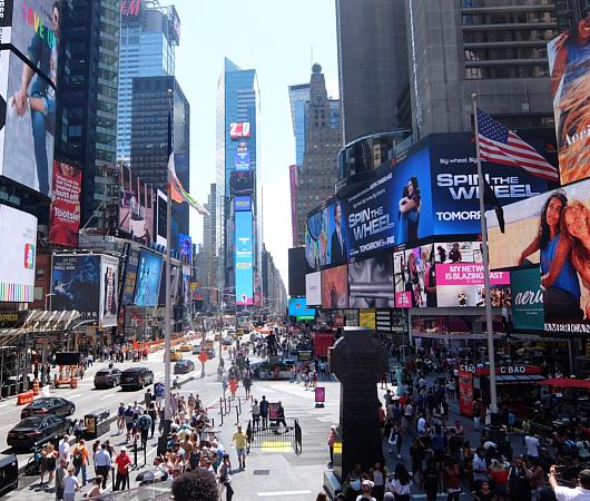 タイムズ・スクエアの風景を眺めるのにオススメ、TKTSブース展望台_b0007805_08315335.jpg