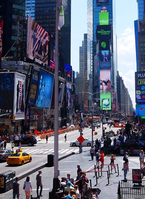 タイムズ・スクエアの風景を眺めるのにオススメ、TKTSブース展望台_b0007805_08325377.jpg