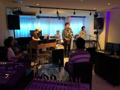 Jazzlive Comin ジャズライブ カミン 広島 本日8月31日土曜日のライブ_b0115606_13043133.jpeg