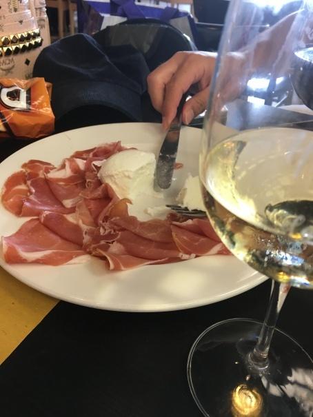 2019夏のイタリア旅行記21 今回の最後の1食 とアエロフロート搭乗記_d0041729_12275159.jpg
