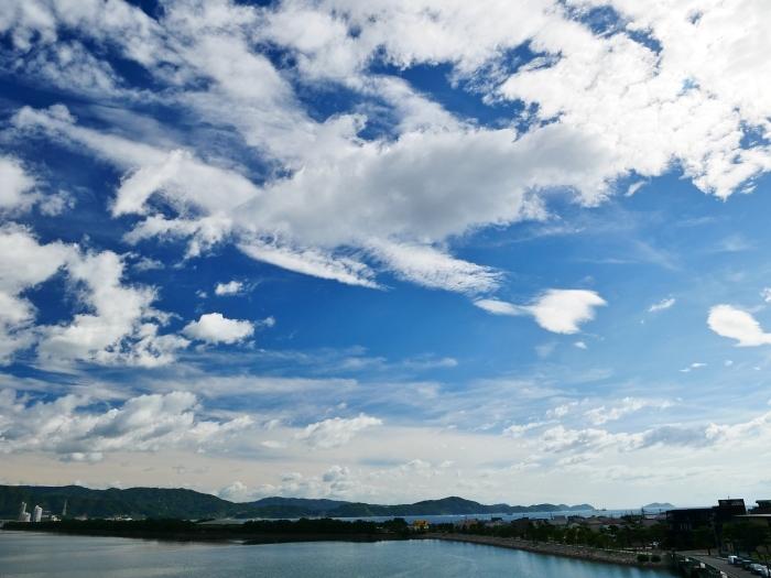和歌の浦に浮かぶ秋の雲  2020-10-15 00:00  _b0093754_23304447.jpg