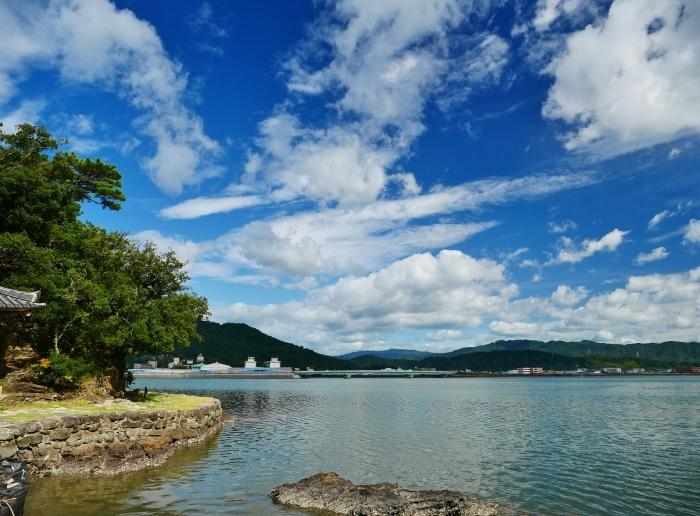 和歌の浦に浮かぶ秋の雲  2020-10-15 00:00  _b0093754_23311616.jpg