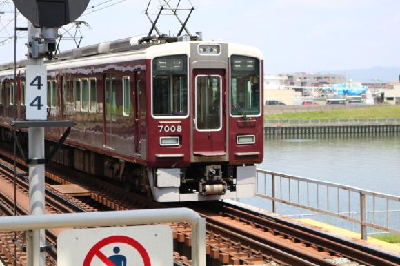 神崎川駅 _c0001670_07185299.jpg
