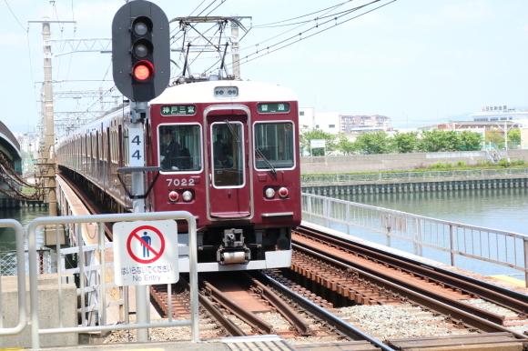 神崎川駅 _c0001670_07222198.jpg