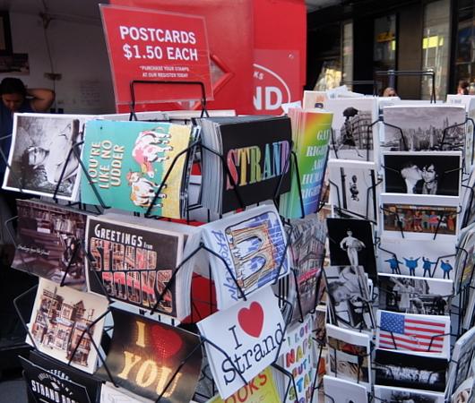 タイムズ・スクエアにあるStrand Book Storeのキオスク_b0007805_01044124.jpg