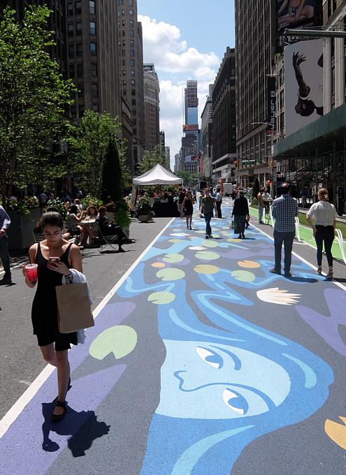 NYブロードウェイの都市ガーデン(Urban Garden)の妖精はこんな感じ_b0007805_23424832.jpg