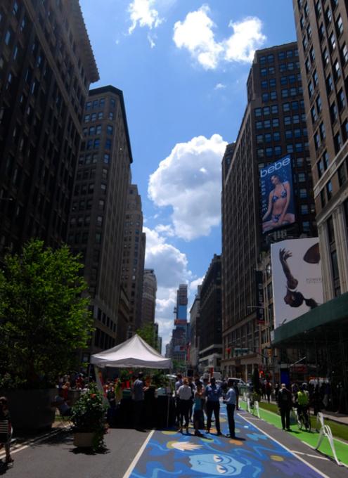 NYブロードウェイの都市ガーデン(Urban Garden)の妖精はこんな感じ_b0007805_23444056.jpg
