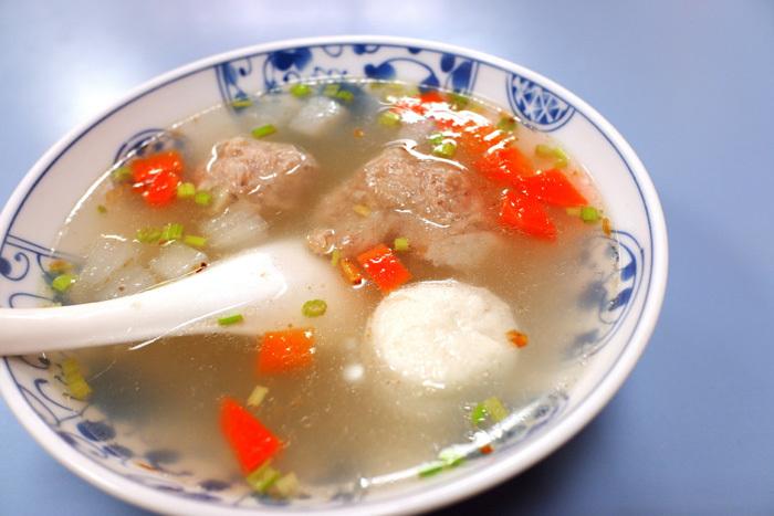 まずは晩ご飯〜台北2_b0175635_10495087.jpg