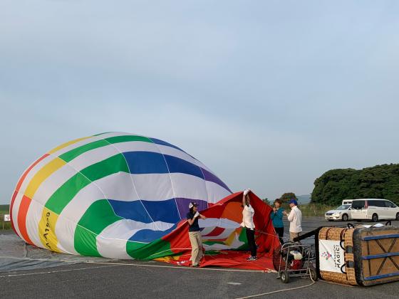 気球に乗って秋吉台の絶景を見よう!_c0150273_22592258.jpg