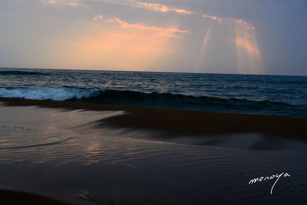 黄昏の浜辺_c0085877_06130774.jpg