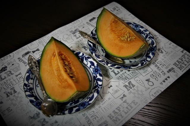 「富良野メロン」と「家庭菜園のサンライズメロン」_f0229190_15425327.jpg