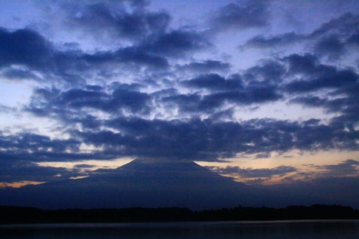 令和元年8月の富士(28)田貫湖夜明けの富士_e0344396_20564762.jpg