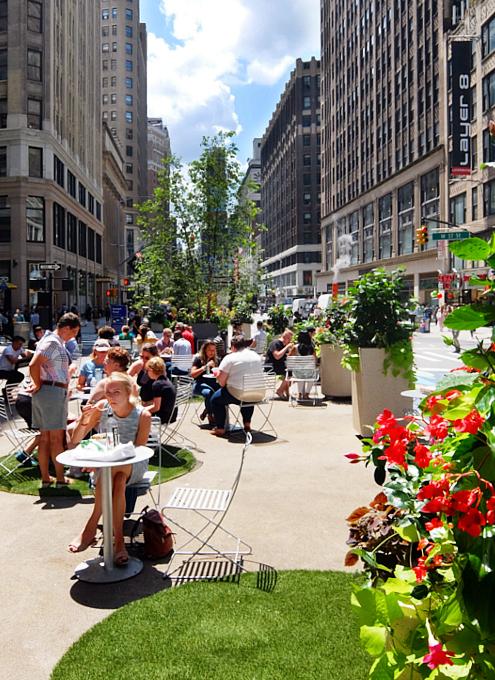 NYブロードウェイの都市ガーデン(Urban Garden)の妖精はこんな感じ_b0007805_00052668.jpg