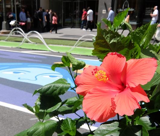 NYブロードウェイの都市ガーデン(Urban Garden)の妖精はこんな感じ_b0007805_00275798.jpg