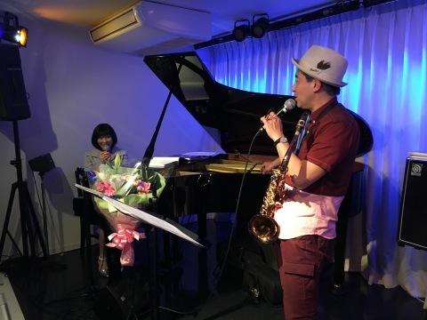 広島でジャズ  ジャズライブ カミン  Jazzlive Comin広島 本日9月2日のライブ_b0115606_11573739.jpeg