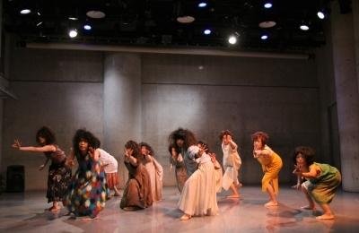 女性たちの祭典となった「神楽坂ダンス学校」ショーイング_d0178431_22110580.jpg