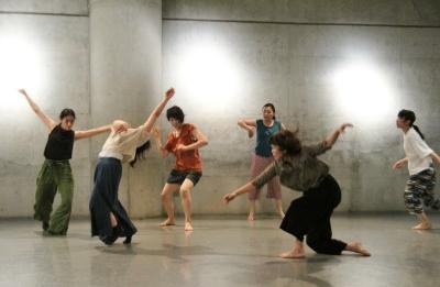 女性たちの祭典となった「神楽坂ダンス学校」ショーイング_d0178431_22123995.jpg