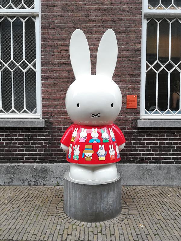 ベルギーとオランダへ_a0003650_23003202.jpg