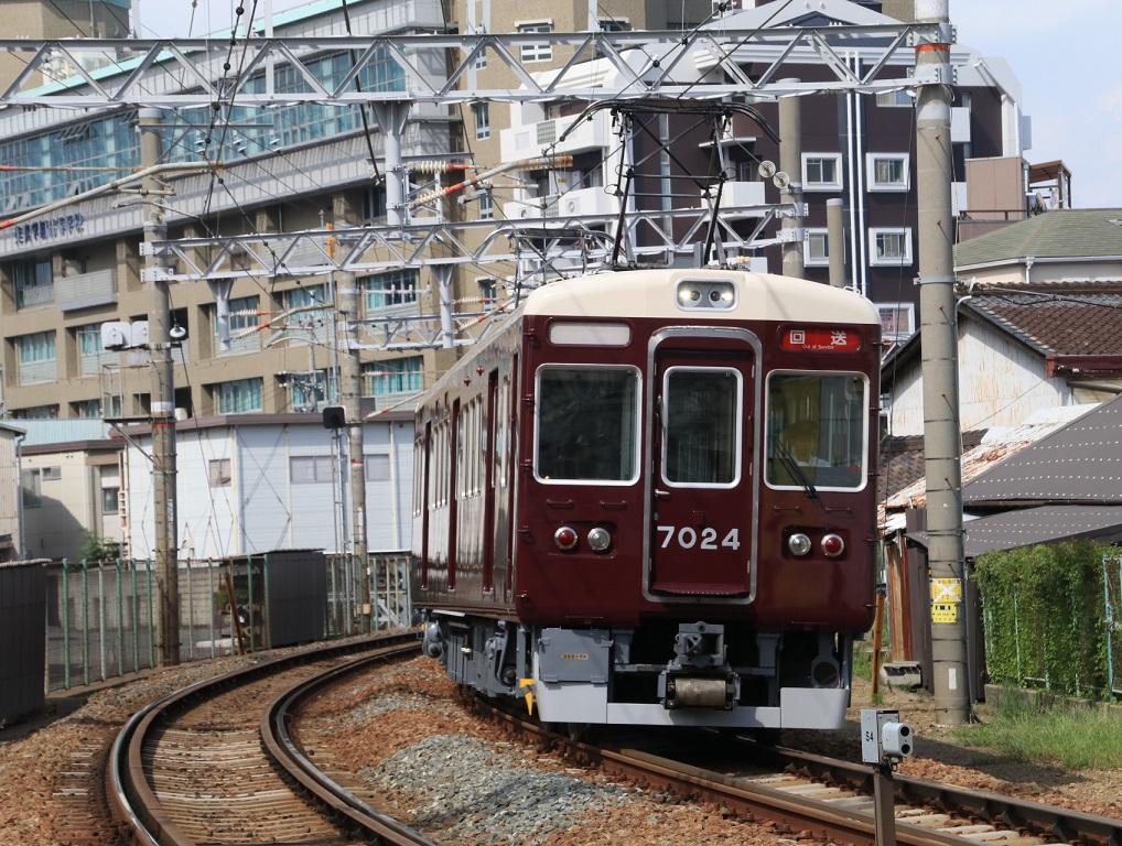 阪急7024F 返却回送_d0202264_17124845.jpg
