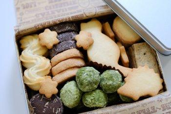 手作りクッキー缶_f0204175_1847136.jpg