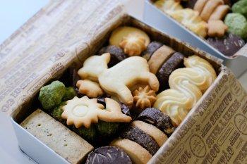 手作りクッキー缶_f0204175_18473052.jpg