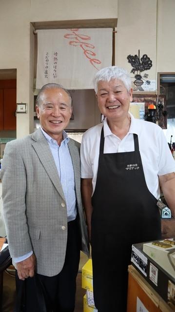 藤田八束の素敵な喫茶店@鹿児島市内で出会ったコーヒーショップの素敵なマスター、大人のコーヒーが最高です。・・・鹿児島の喫茶店「マリアッチ」、お洒落な喫茶店_d0181492_22563756.jpg