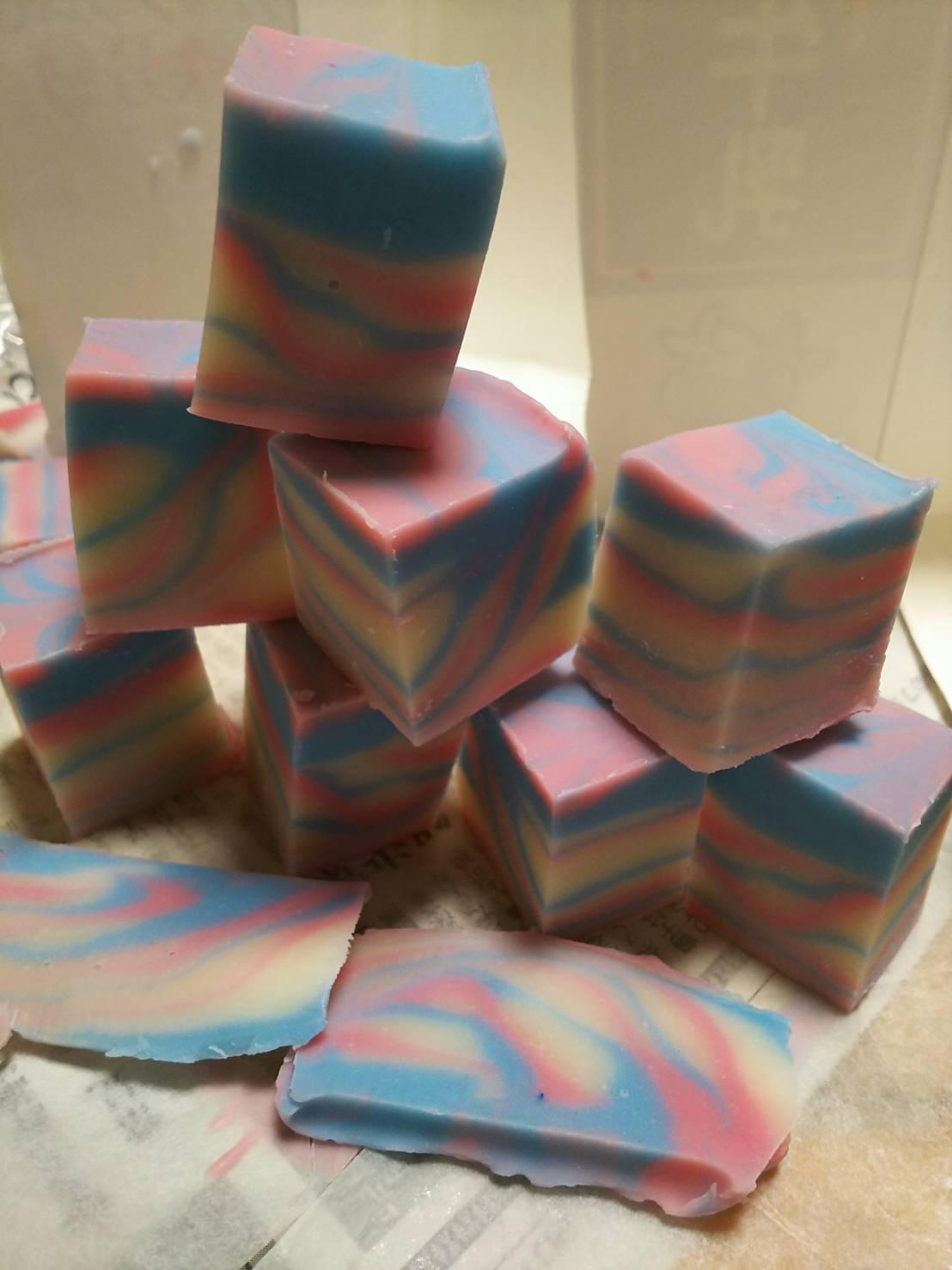 オイルから作る手作り石鹸は、お肌を守ります。_c0206366_00122990.jpg