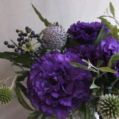 オークリーフ(紫色のトルコキキョウのアレンジメント)_f0049672_17483755.jpg