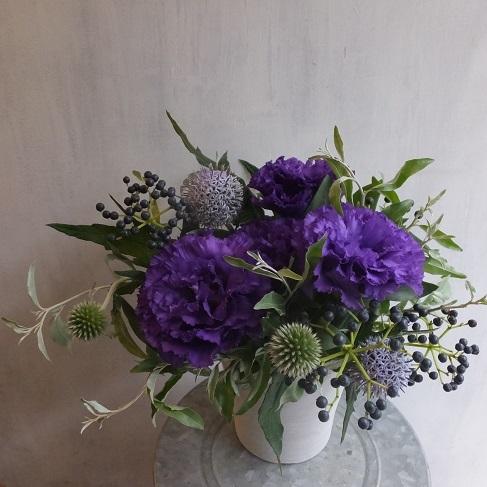 オークリーフ(紫色のトルコキキョウのアレンジメント)_f0049672_17484932.jpg