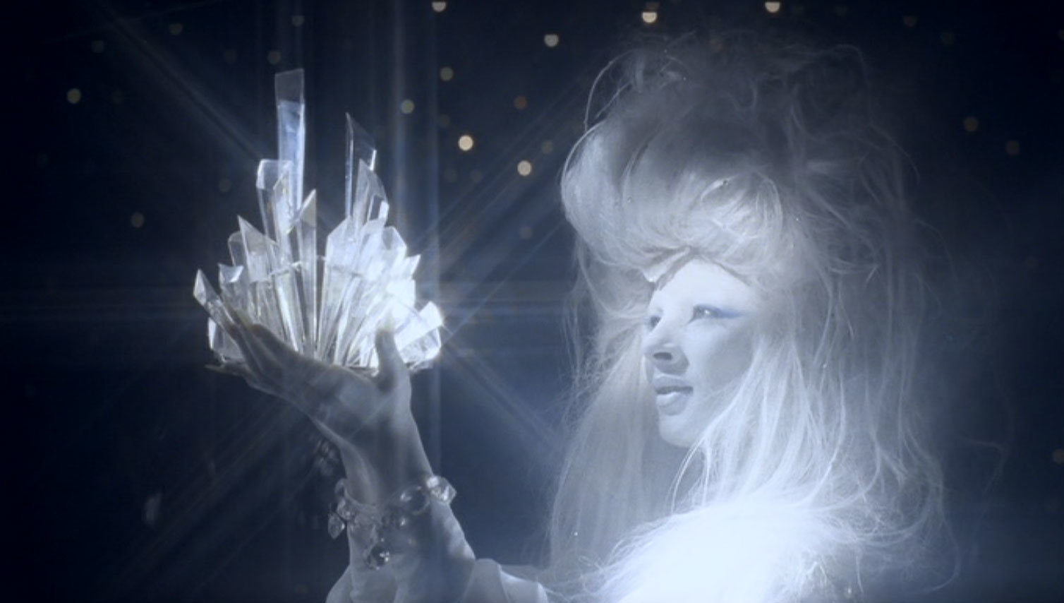 映画:雪の女王(1986)_c0084183_15352393.jpg
