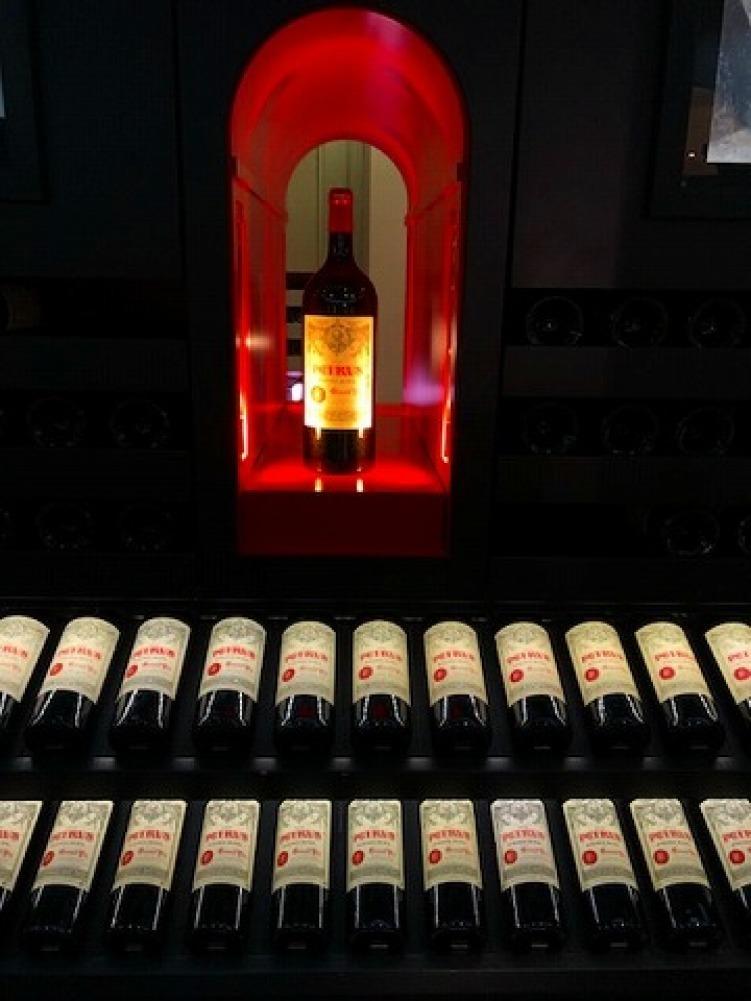 ギャラリーラファイエットのワインカーブ_a0152501_14571780.jpg