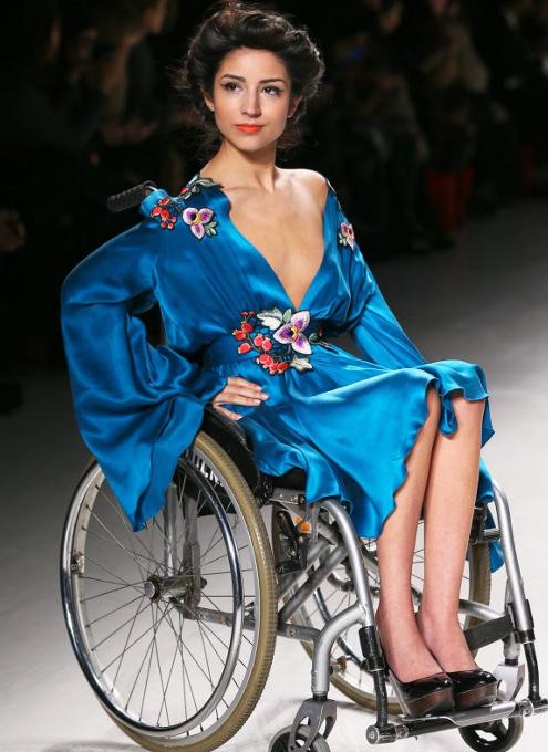 未来のファッションはあらゆるものを受け入れます_b0007805_03362653.jpg
