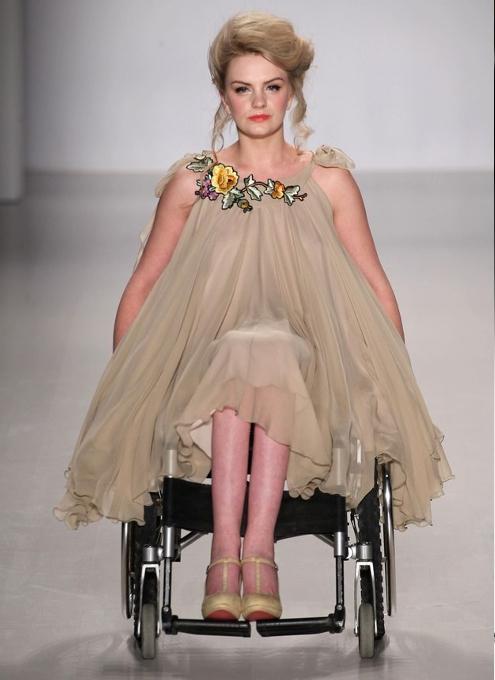 未来のファッションはあらゆるものを受け入れます_b0007805_03401690.jpg