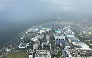 虹を下に_e0103024_20332015.jpg
