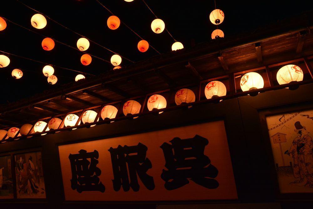 宵の明治村 呉服座前_e0373930_00324024.jpg